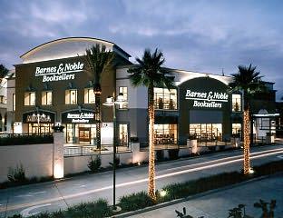 Barnes Noble Closing Costa Mesa Calif Store Shelf