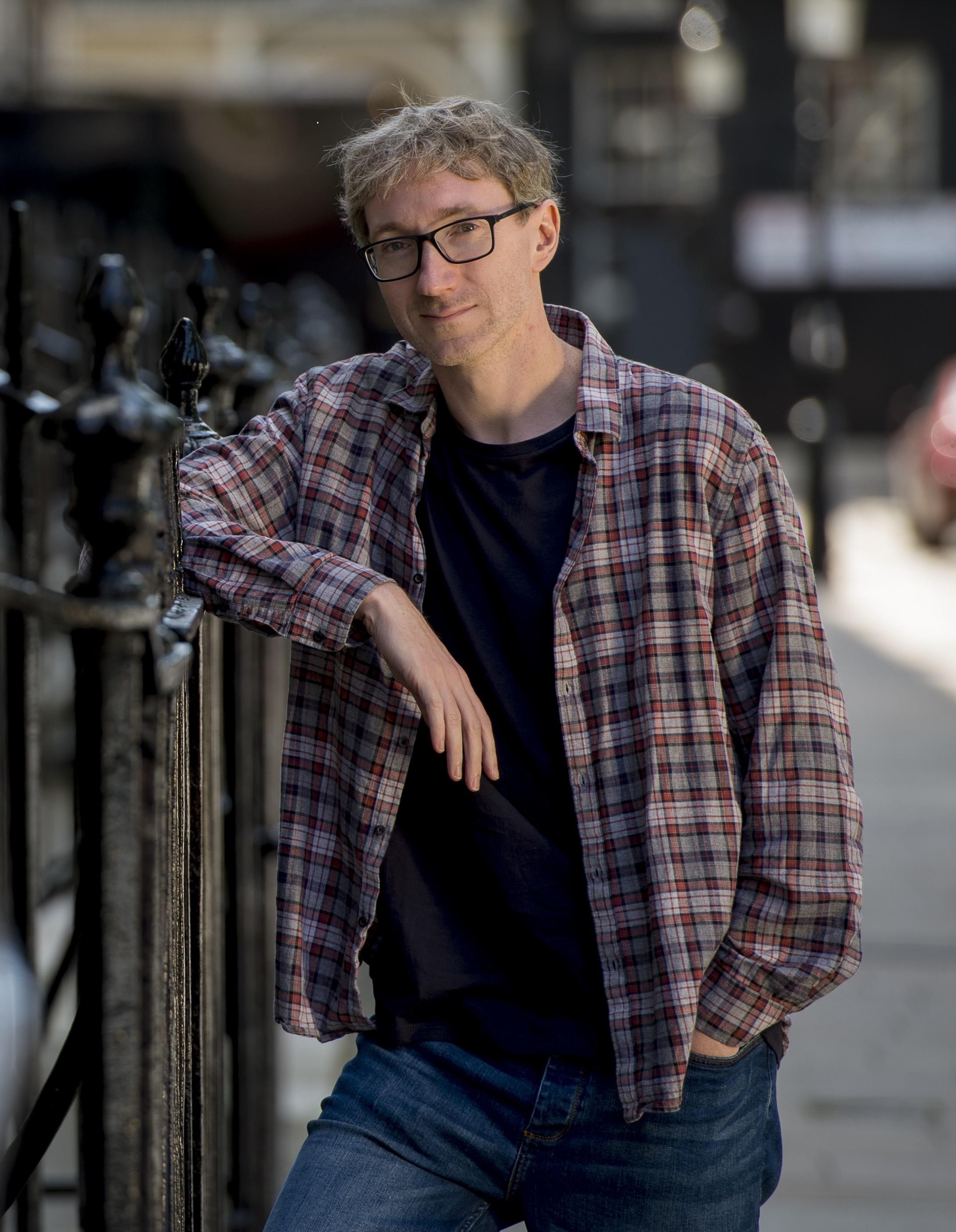 Stuart Turton: Pacing and Post-its   Shelf Awareness